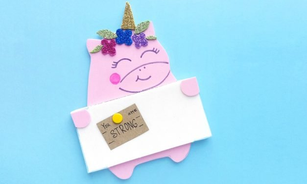 An Easy Unicorn Craft Kids Will Love – A Unicorn Pinboard!